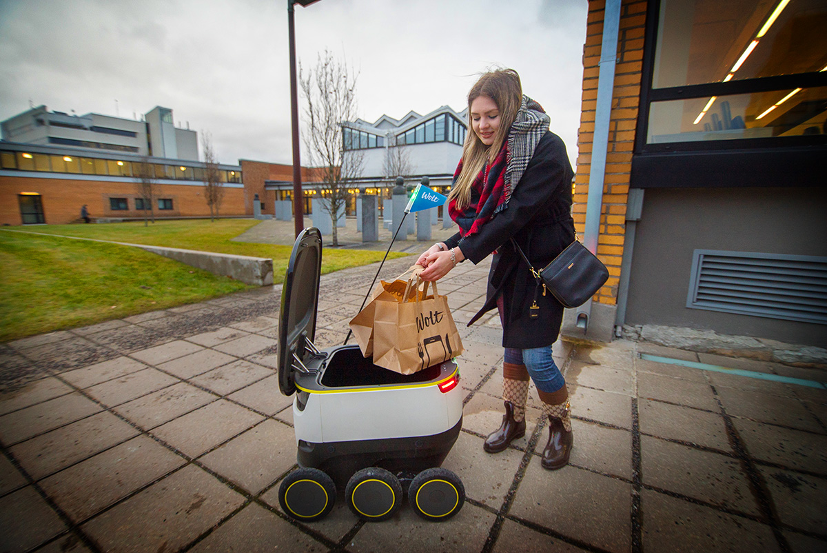 Yes, Wolt is testing food deliveries by robots – and it's happening as we speak - Wolt